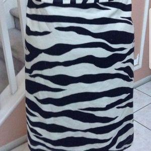 Dresses & Skirts - Animal print skirt