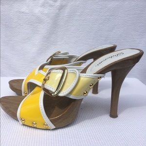 Delicious Shoes - Sandy