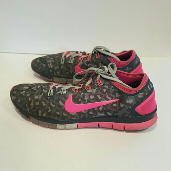 nike free tr connect 2 hyper pink Men nike shox ... d93cabfca