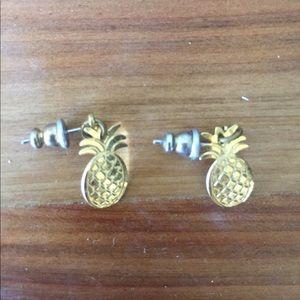 Jewelry - Gold pineapple earrings 🍍