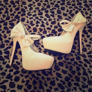 Anne Michelle Shoes - Cream Bow Heels