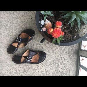 Born Shoes - Leather flip flops!