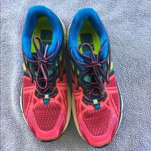 Brooks Shoes - Brooks Women's Running Shoes size 7