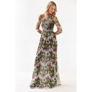 🆕 Ecote Floral Embellished Maxi Dress
