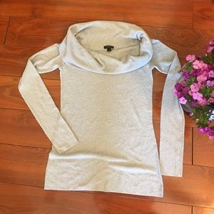 ANN TAYLOR silver sparkly sweater Small