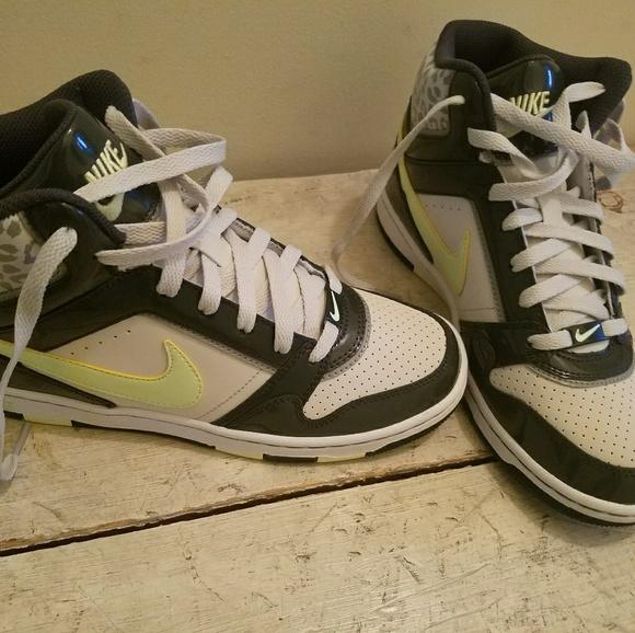 Nike Prestige 3 Skinny High PRM Sneaker Size 8
