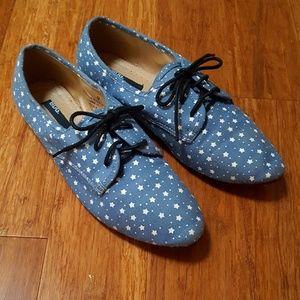 BDG Shoes - BDG Star Patterned Oxfords