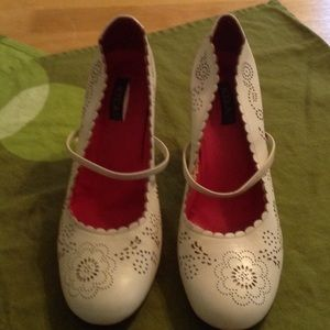 Cute White leather Vintage Shoes