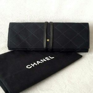 CHANEL Handbags - Chanel Rare Vintage CC Quilted Jewelry Wrap Case