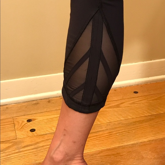 lululemon athletica - Lululemon Black Cropped Yoga Pants ...