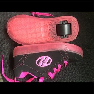 Heelys Other - Girls black and pink Heely's Size 1