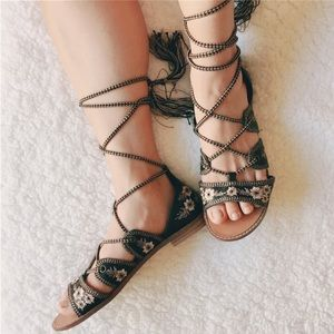 Lace Up Embroidered Gladiator Sandals