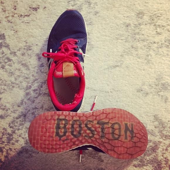 bb7dab82de3a2 Men's New Balance Zante V2 Fenway Boston sneakers.  M_595055b14e95a3af5905b2da