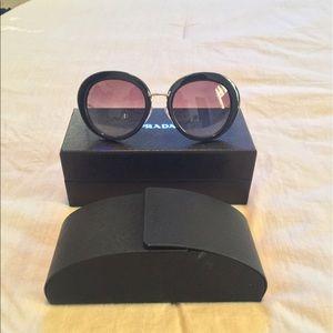 a7117fe6ab Accessories - Prada SPR 16Q Cinema round sunglasses