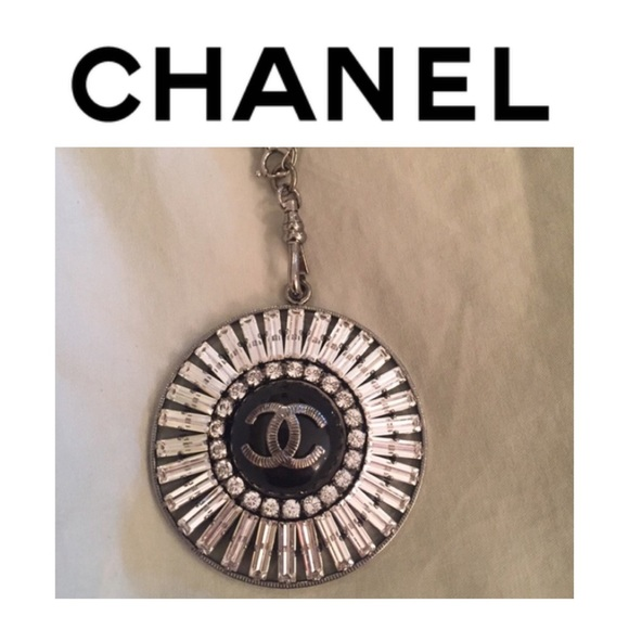 50 off chanel jewelry chanel authentic crystal cc logo for Authentic chanel logo t shirt