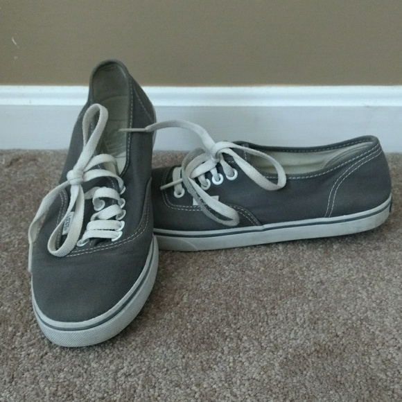 1159185c9e84c4 Vans Shoes - Vans light Gray Lo Pro Women s Sneakers 6.5