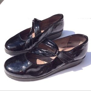 d1edd47bda beautifeel Shoes - BEAUTIFEEL patent Velcro Mary Jane shoes 37 7