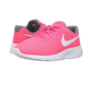 Nike Other - Nike girls running shoes!!💕