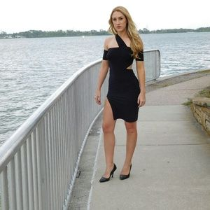Dresses & Skirts - Women's classy one shoulder dress with slit