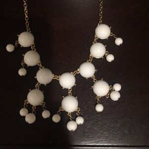Jewelry - White and gold bubble necklace