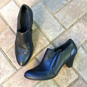 Born Shoes - Born black leather booties