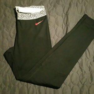 Nike Pants - Nike pro dri-fit leggings