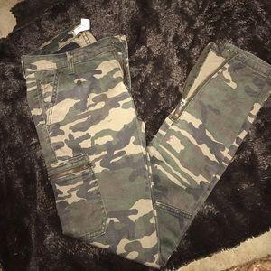 Pants - Forever 21 camo pants