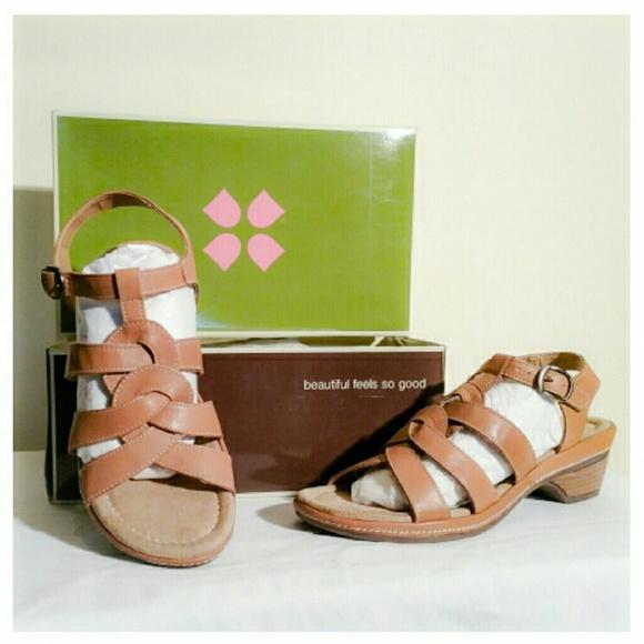 1fd0e44acc3e NIB Naturalizer Entari Tan Leather Sandals 9M