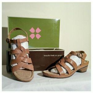 Naturalizer Shoes - NIB Naturalizer Entari Tan Leather Sandals 9M