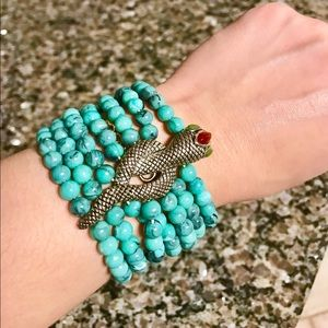 Jewelry - Turquoise beaded bracelet with braided knot