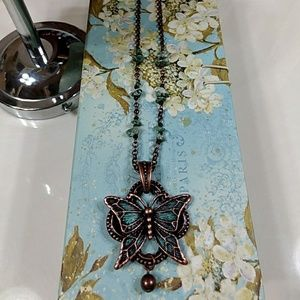 Jewelry - Beautiful butterfly necklace