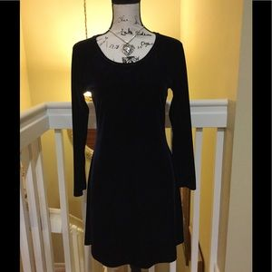 Dresses & Skirts - Beautiful Evening Velvet Dress Long Sleeves