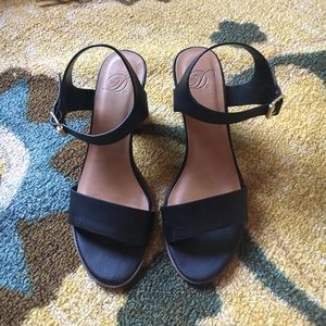 Heart in D Black Strappy Heels