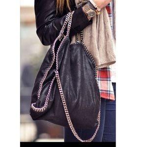 Handbags - 🆕 Paris gorgeous bag