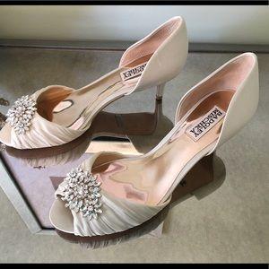 Badgley Mischka Shoes - LIBRETTO KITTEN HEELS IVORY d'Orsay pump