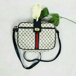 Classic Handbags - VINTAGE CLASSIC CROSSBODY/SHOULDER BAG