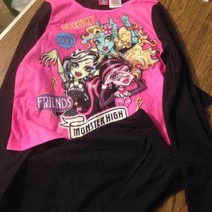 monster high Other - Girls 10/12 monster high fleece pajama set