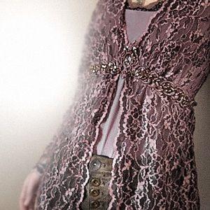 Karen Kane Tops - Dark & light lavender lace top with great detail