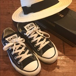 Black Converse Size 6 Women's 4 Men's