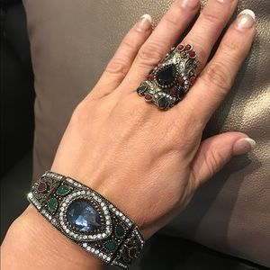 Jewelry - Fancy ring with bracelet