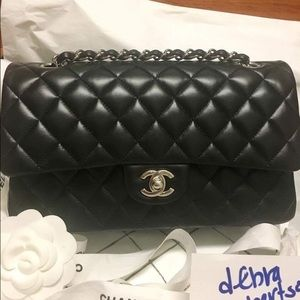 CHANEL Handbags - 2017 Chanel black lambskin medium flap shw w/rec