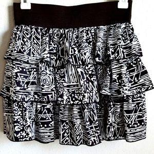 Dresses & Skirts - 🌞5 for 25!🌞 Black White Skirt Aztec Print Ruffle