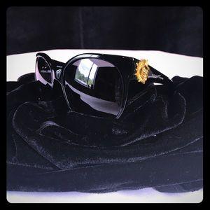 Alexander McQueen Accessories - Authentic Alexander McQueen Skull Sunglasses