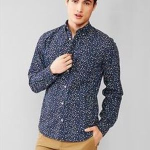 Modern Oxford shirt in blue floral