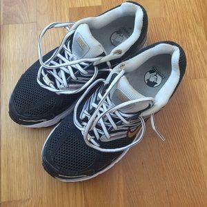 Nike running sneakers 👟