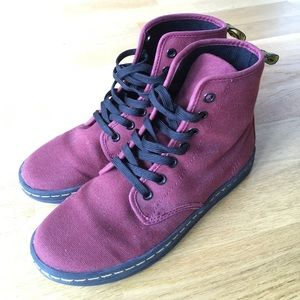 Dr. Martens canvas Shoreditch in cherry red