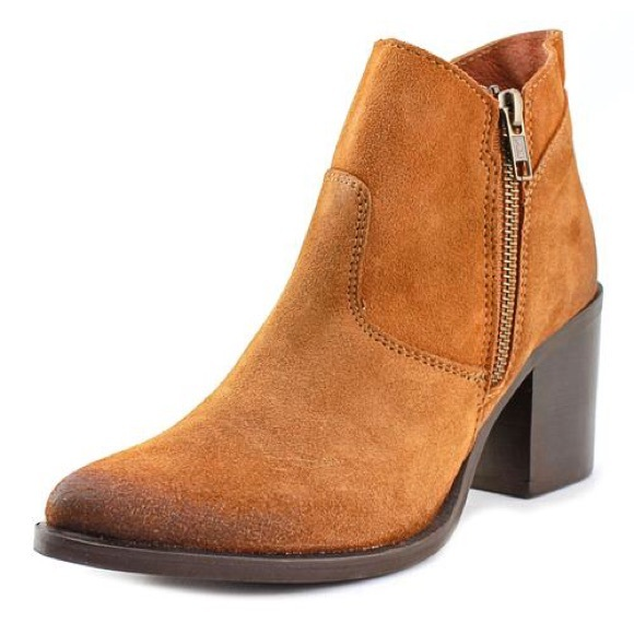 69 off steve madden shoes flash sale sm pierce bootie ankle boots from all offers welcome. Black Bedroom Furniture Sets. Home Design Ideas