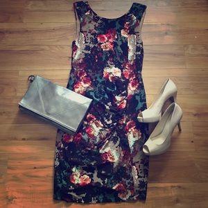 Carmen Marc Valvo Dresses & Skirts - Stunning Carmen Marc Valvo Floral Dress