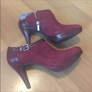 Bandolino ankle booties