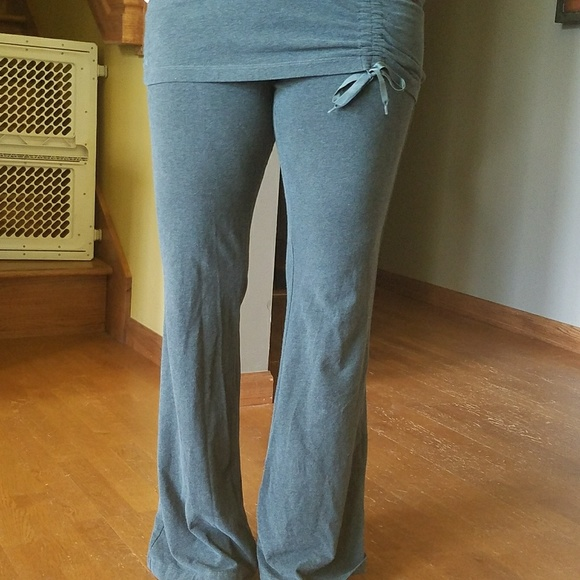 a2880377965dbf athleta Pants - Athleta skirted yoga pants